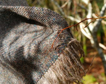 Winter woodland green Shetland and light brown sheep's wool scarf handwoven in Brittany
