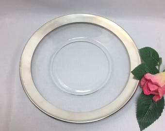 "8"" Plate Dorothy Thorpe Silver Rim"