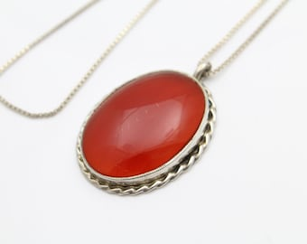"Large Oval Carnelian-Colored Agate Pendant in Sterling Silver on 26"" Chain. [9956]"