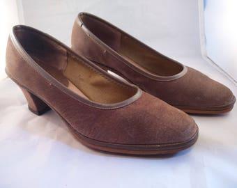 Vintage taupe nubuck heels