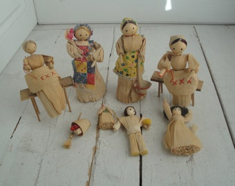 Vintage Corn Husk Dolls Set of 7