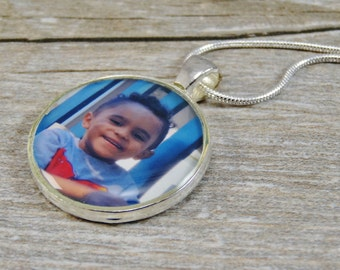 Photograph Necklace - Customized Jewelry - Silver Plated Resin Circle Pendant - Personalized Jewelry