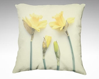 Velveteen Pillow Cover, Springtime Daffodils, Pastel Yellow, Floral Pillow, Soft Pillow, Vintage Style, Bedroom Pillow, Living Room Decor
