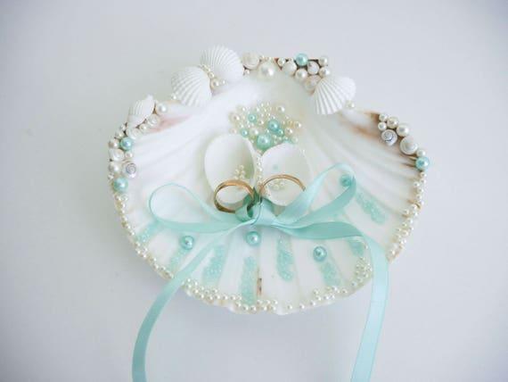 Shell ring holder Wedding Ring Holder Sea shell Ring Bearer