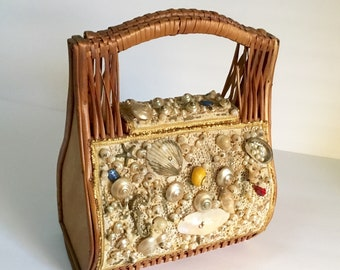 Vintage Wicker Basket Purse / Seashell Purse / 1950's / By Straw World / Retro/ Preppy / Abstract / Made in Spain / Top Handle