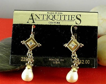 Diamonds & Pearls Earrings - Elizabethan Renaissance - Victorian