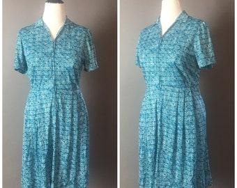 Vintage 50s dress / 1950s dress / 1960s dress / volup dress / plus size dress / shirtwaist dress / day dress / 8234