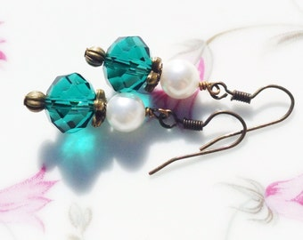 Teal Blue Swarvoski Crystal and Glass Pearl Earrings