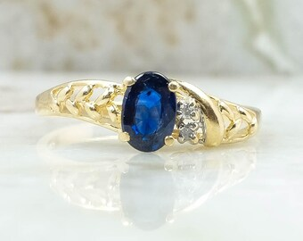 14K Yellow Gold 0.61ctw Oval Sapphire and Diamond Accented Gemstone Ring Size 6