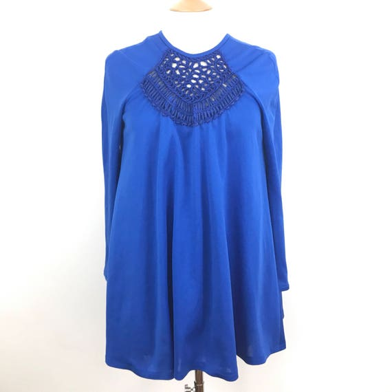 Vintage mini dress 1960s super flared trapeze GoGo electric blue crochet detailed UK 10 12 minidress blue 60s long sleeves 1970s