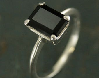 Black Onyx Ring~Emerald Cut Ring~Alternative Engagement Ring~Silver Solitaire Ring~Unique Engagement Ring~Black Stone Ring~Faceted Onyx Ring