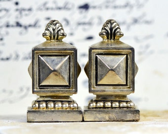 Square Architectural Salt and Pepper Shaker SET...  home decor... T 16  KEEP