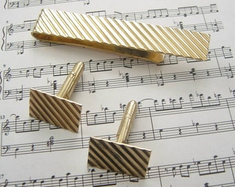 SALE Vintage Cuff Links and Tie Bar Set Gold Plated