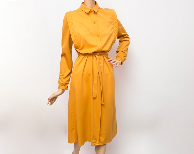 70s mustard dress size M Dead stock Vintage Front buttons