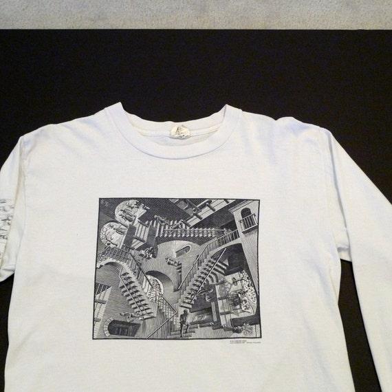 M C Escher T shirt Waterfall 1991 Vintage Graphic Artwork Size Medium to Large Andazia White Cotton Tee Cordon Art Baarn Holland Licensed W3Bk8U