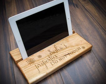 Personalized tablet holder, iPad stand, Customized wood stand, Christmas gift, graduation gift