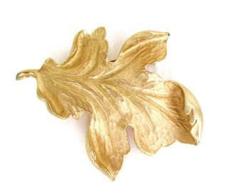 Coro Leaf Pin/Oak Leaf Brooch /Brushed Goldtone Foliage Pin