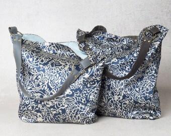 white and blue purse, blue handbag, hobo purse bag, vegan purse, hobo shoulder bag, canvas shoulder bag, canvas hobo bag