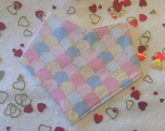 Bandana bib for baby - Pastel blue, pink, lemon arches - baby gift