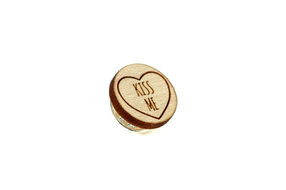 "Pin with message ""Kiss me"" - graphic brooch - romantic accessory - not another enamel pin - graphic accessory - lasercut maple wood"