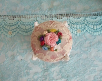 Vintage Buttons Collection Handmade Pin Cushion 200 Plus Buttons 0505C