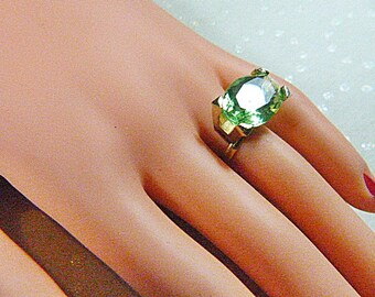Vintage Gold Ring With HUGE Oval Green Rhinestone - Size Adjustable - R-373
