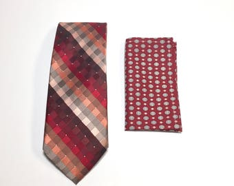 """The """"Red Star"""" Tie and Square Pack"""