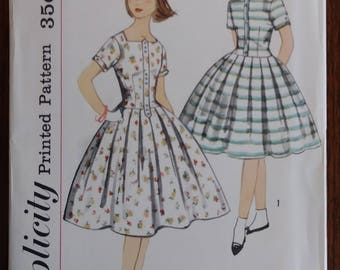 Simplicity 2401 1950s Girls Party Dress Dropped Waist Full Skirt Size 12