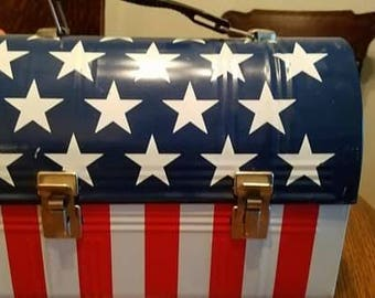 American Flag Stars and Stripes Vintage Dome-Top Lunchbox with Thermos!