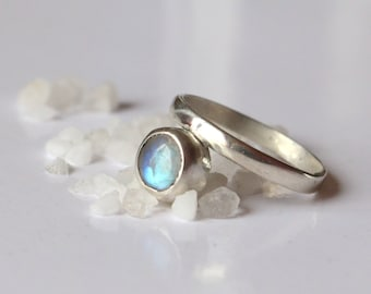 SINGULIERE Silver and Moonstone Ring
