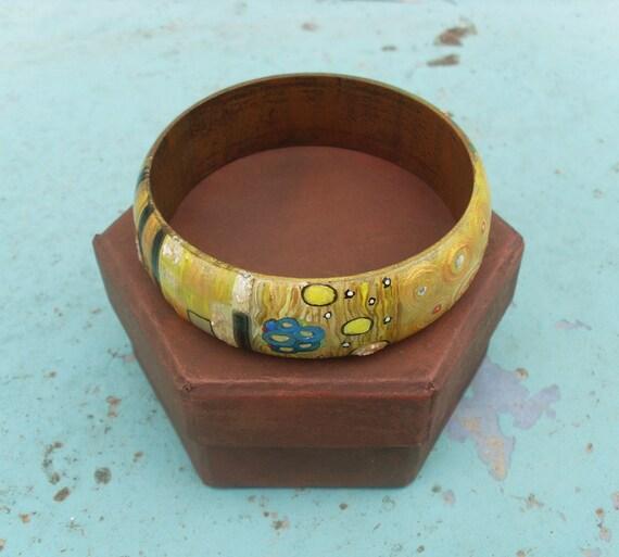Bracelets, Bangles, Charms, Charm Bracelets, Handpainted, Hand painted, Wooden Bracelet, Wooden Bangle, Art nouveaum, Kiss, Klimt