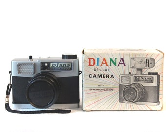 Diana De Luxe Lomography Vintage Camera ('60s) - Includes ORIGINAL BOX