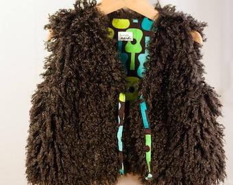 "Shepherd reversible vest fur fluffy chocolate and printed vintage ""Groovy guitars"""