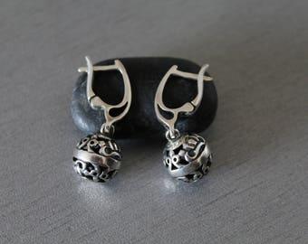 Silver 925 drop earrings,Floral silver dangle earrings,Engraved silver beads,Sterling silver ball earrings,Filigree silver hoop,Everyday,