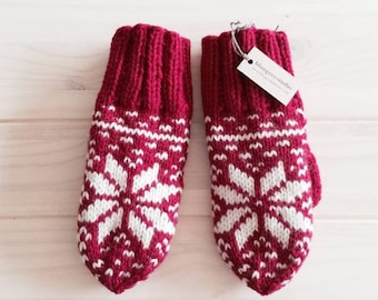 Bright wool mittens, snowflake warm mittens, cute mittens, warm and cozy, gift for her.
