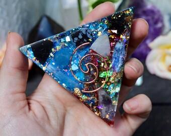 Orgonite® Pyramid - Triangle - EMF Protection - Handmade - Orgone Generator® - Crystals - HoodxHippie - Positive Energy - Gift