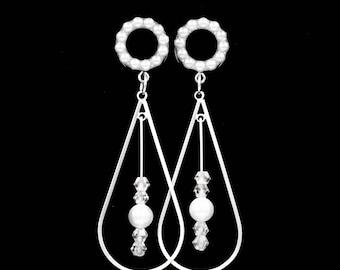 Pearl Tunnel Teardrop Dangle Plugs / 2g, 0g, 00g, 1/2, 9/16, 5/8, 11/16, 3/4 / Wedding Plugs / Pearl Gauges / Bridal Plugs / Pearl Jewelry