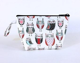 Ostentatious Owls White Makeup Bag - Accessory - Cosmetic Bag - Pouch - Toiletry Bag - Gift