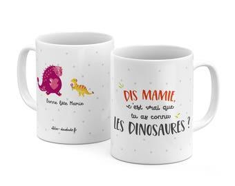 The mug say grandma, true knew dinosaurs
