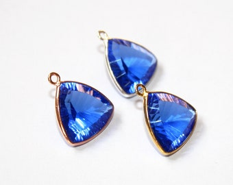 1 Pc 14mm Bezel Set Tanzanite Blue Quartz Concave Cut Trillion Pendant / Single Loop Pendant / Gemstone Charm Pendant / Select Finish / C03
