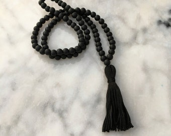 Mama Mala: food grade silicone teething necklace with tassel