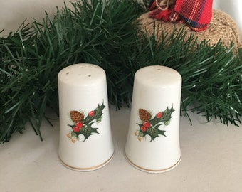Vintage Christmas Salt and Pepper Shakers, 1960's, Made in Japan, Holiday Salt and Pepper Shakers