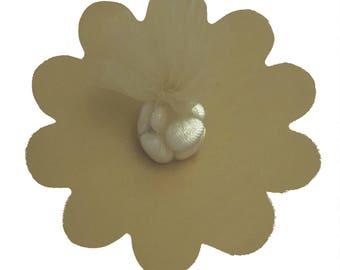 "Gold Tulle Circles with Petal Edge 25/pkg. 9"" / 23 cm"