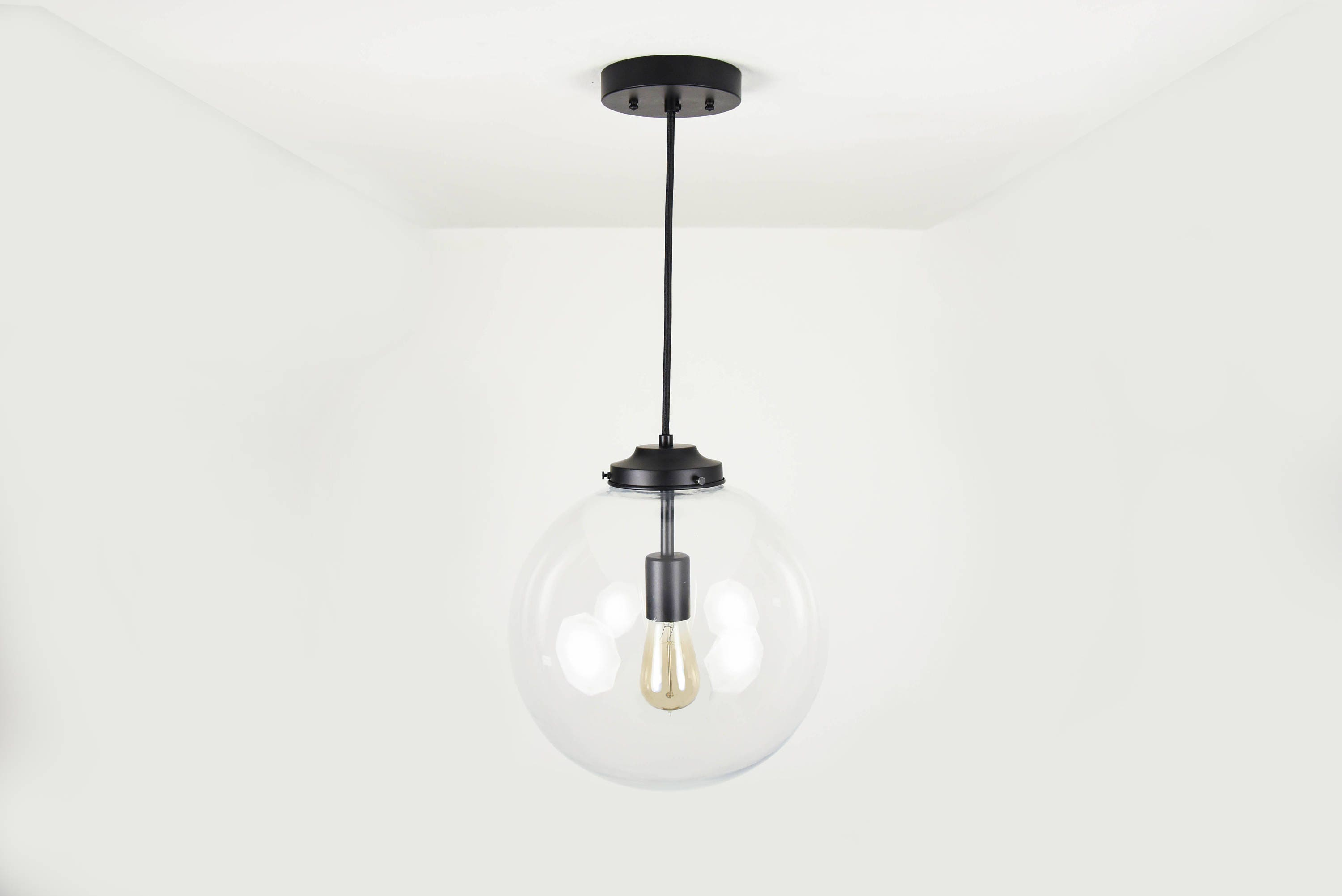 Matte Black Modern Pendant Lighting With Clear Glass Globe