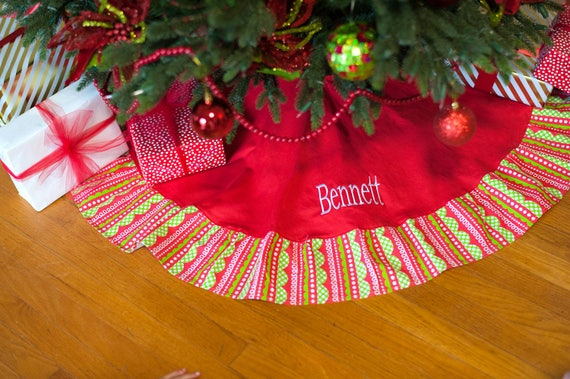 Personalized Christmas Tree Skirt , Monogrammed Christmas Tree Skirt , Tree  Skirt Personalized, Embroidered Tree Skirt , Ruffled Tree Skirt