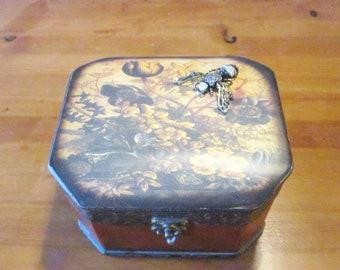Treasure Box, Trinket Box, Keepsake Box, Jewelry Box, Vintage Box, Upcycled Box, #1169