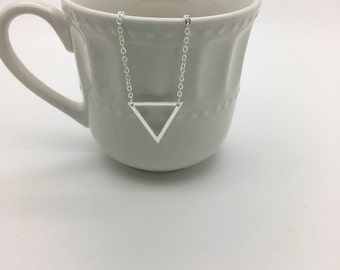 Triangle Necklace, Gold or Silver Triangle outline necklace, Geometric necklace, Dainty Layering necklace, Minimal, Everyday, Simple