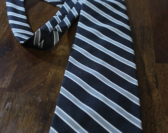 Wembley vintage necktie, striped vintage neckwear, Navy, silver, and white retro tie
