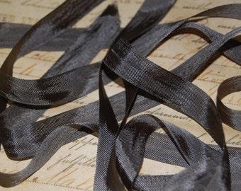 Darkest Olive Vintage Seam Binding Ribbon