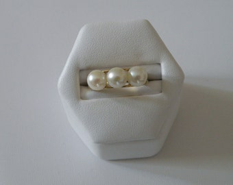 Exquisite 10K Gold Triple Pearl Ring - Size 6 3/4 U.S. and 6.5 mm pearls